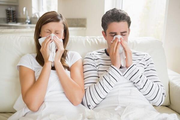 Основные причины почему болят глаза при простуде