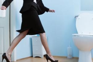 Основные симптомы неконтролируемого мочеиспускания